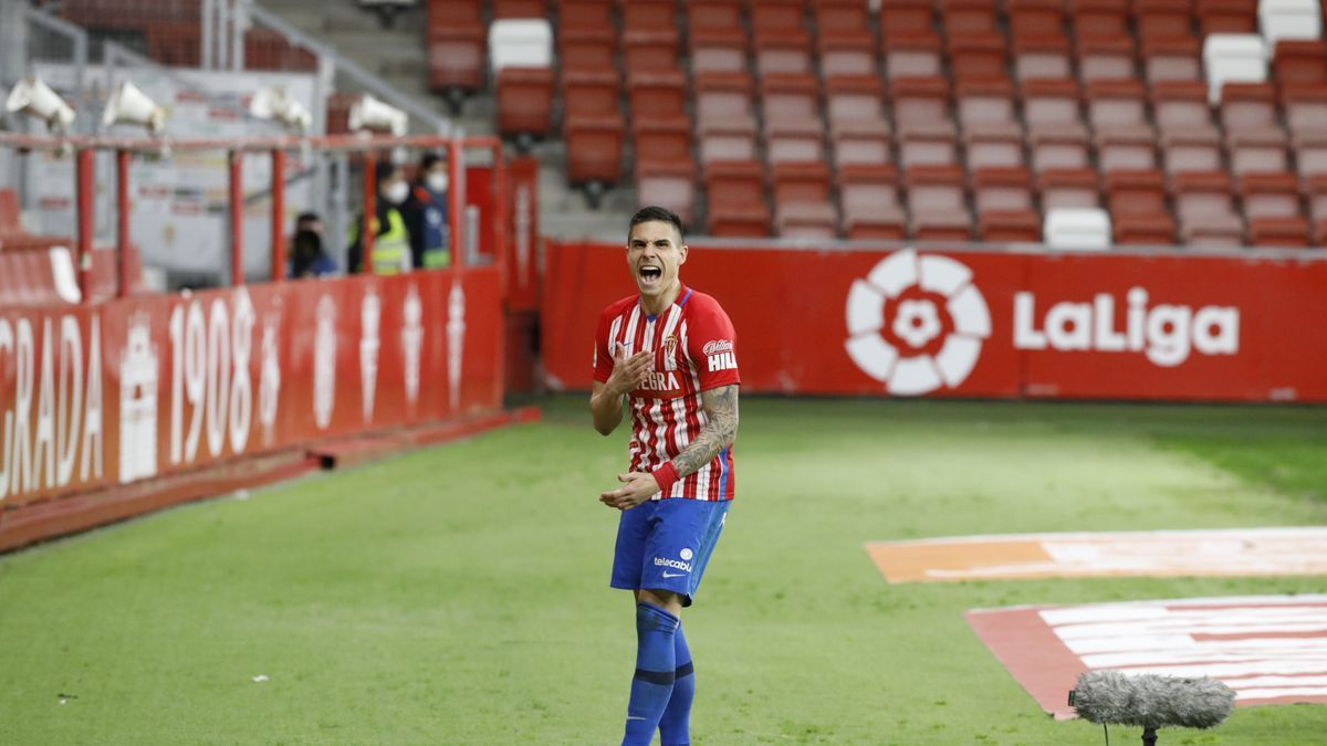 Djurdjevic celebra un gol con el Sporting de Gijón.