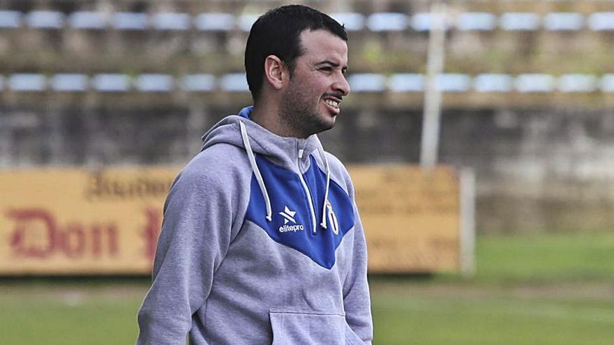 Matías Vigil, nuevo director de la escuela de fútbol del Avilés