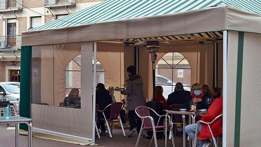 El interior de los bares seguirá cerrado en Benavente