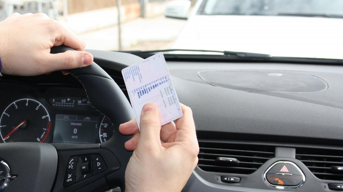 Desescalada en España: ¿Cuándo puedo renovar el carné de conducir?
