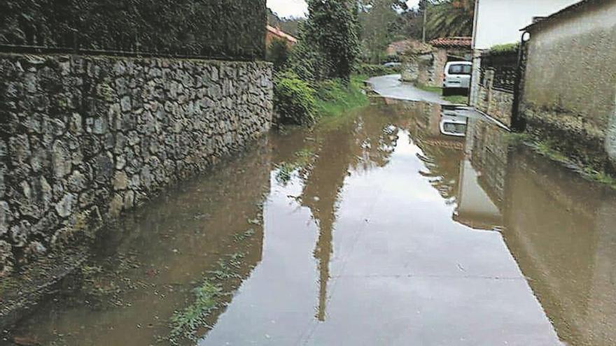 Las continuas inundaciones mueven a los vecinos de Lledías a exigir el saneamiento