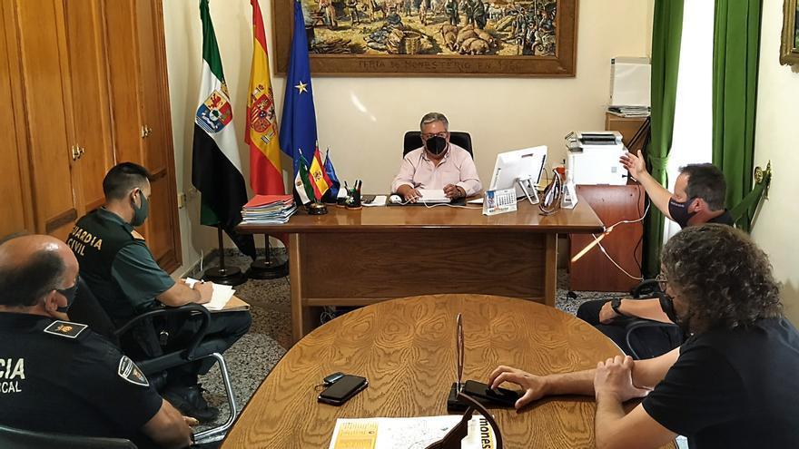 Reunión de coordinación para unificar criterios frente al cierre perimetral de Monesterio
