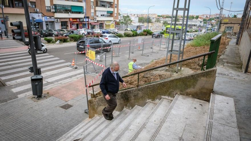 Comienza la obra de la rampa en la calle La Pimienta