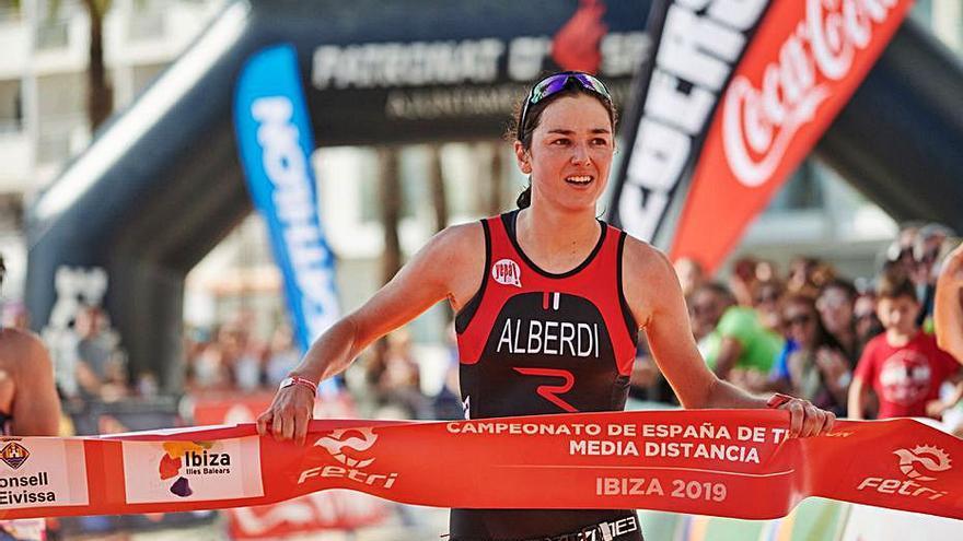 El mejor triatlón nacional se cita hoy en ses Figueretes
