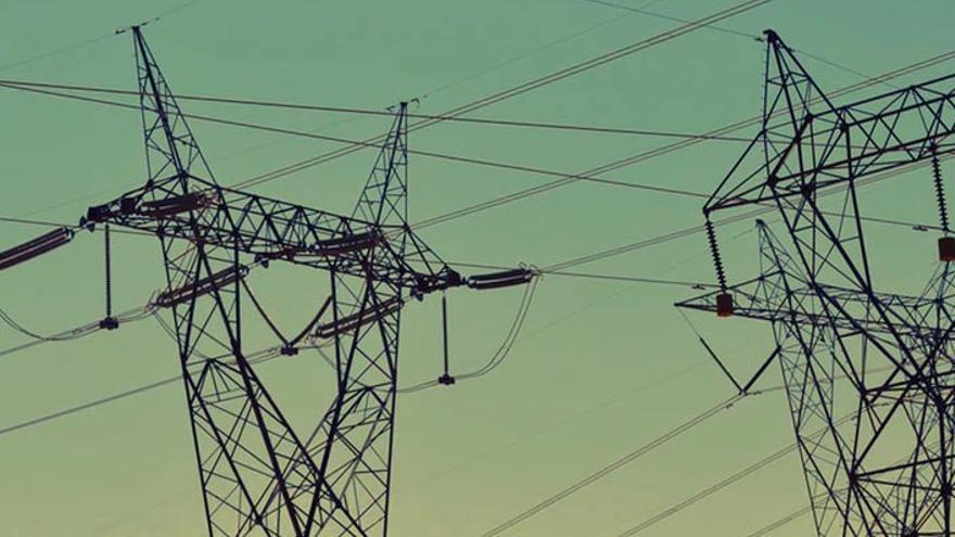 La demanda eléctrica en Canarias se dispara un 13,9% en abril