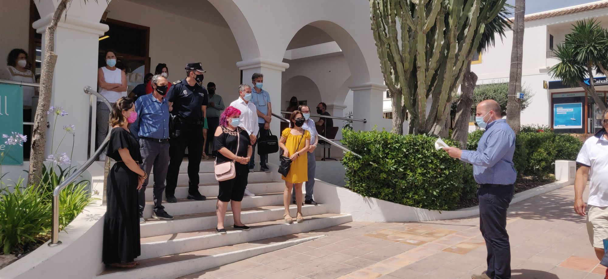 Minuto de silencio en Ibiza por los casos de violencia de género