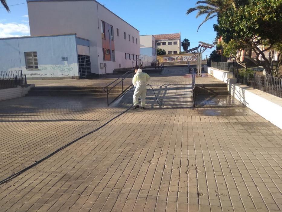 Labores de limpieza y desinfección en Telde.