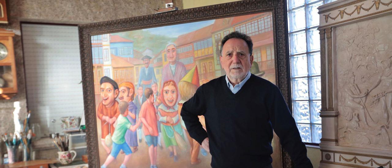 José Manuel Félix Magdalena, ante uno de sus cuadros en su taller de Cudillero. | |  MIKI LÓPEZ