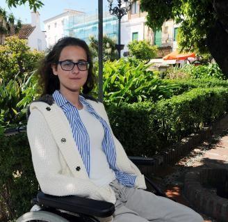 Sarah Almagro recibe un riñón de su padre para dejar la diálisis El 5 de noviembre, la joven Sarah Almagro es sometida a un transplante de riñón que le donó su padre para dejar la diálisis a la que se tenía que someter varias veces a la semana tras la septicemia meningocócica que sufrió en agosto de 2018. La intervención fue un éxito, aunque la cortisona le provocó una leve diabetes contra la que lucha en la actualidad. El próximo reto, las prótesis que le permitan recuperar su autonomía.