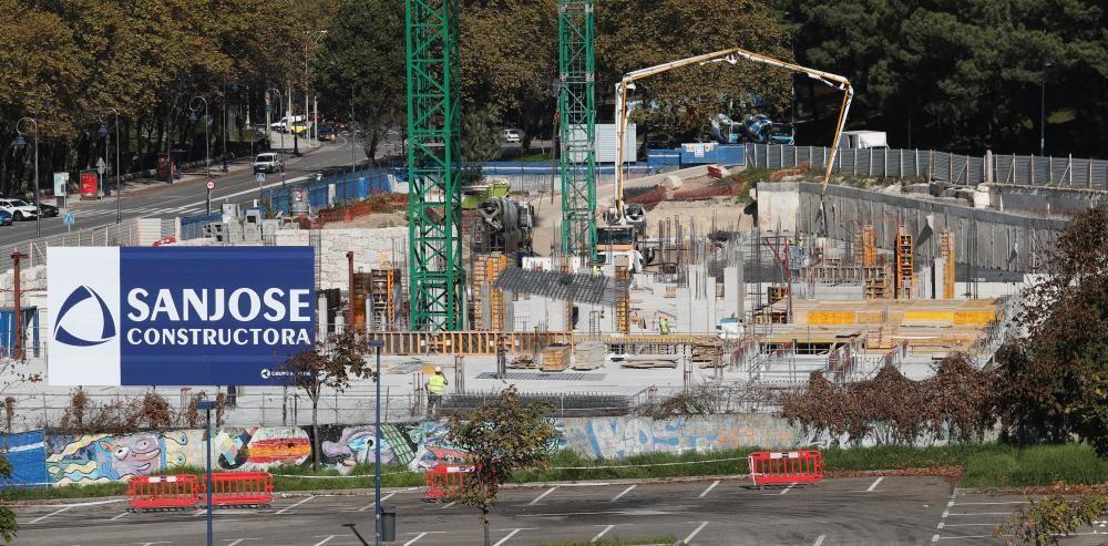 El nuevo hotel de Samil, el Attica 21, en construcción. // R. Grobas
