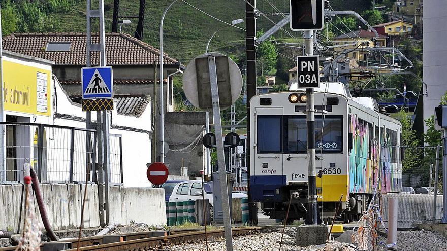 El Adif licita por siete millones el suministro de balasto para la vía de la línea Gijón-Laviana