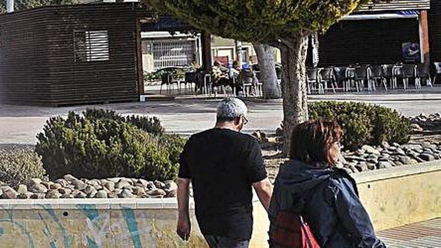 Santa Pola resuelve el contrato de tres chiringuitos por impagos