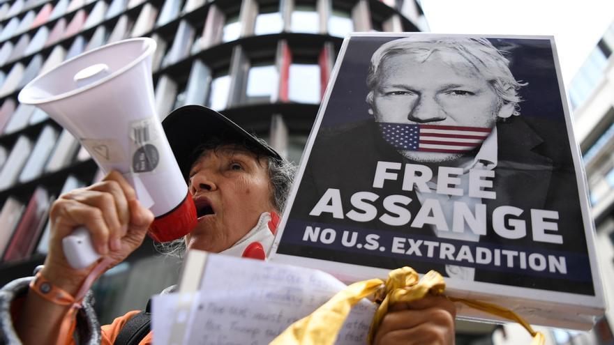 Amnistía Internacional pide a EEUU que retire los cargos contra Julian Assange