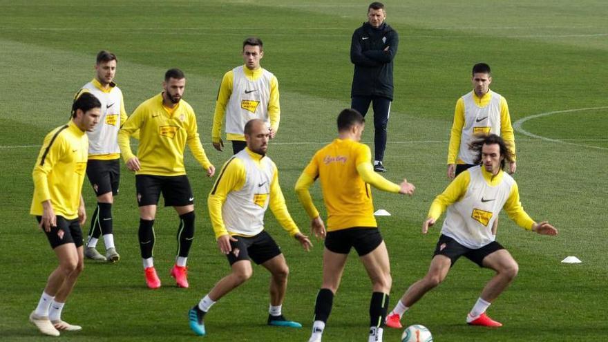 Cordero y Unai Medina, novedades del Sporting en Ponferrada