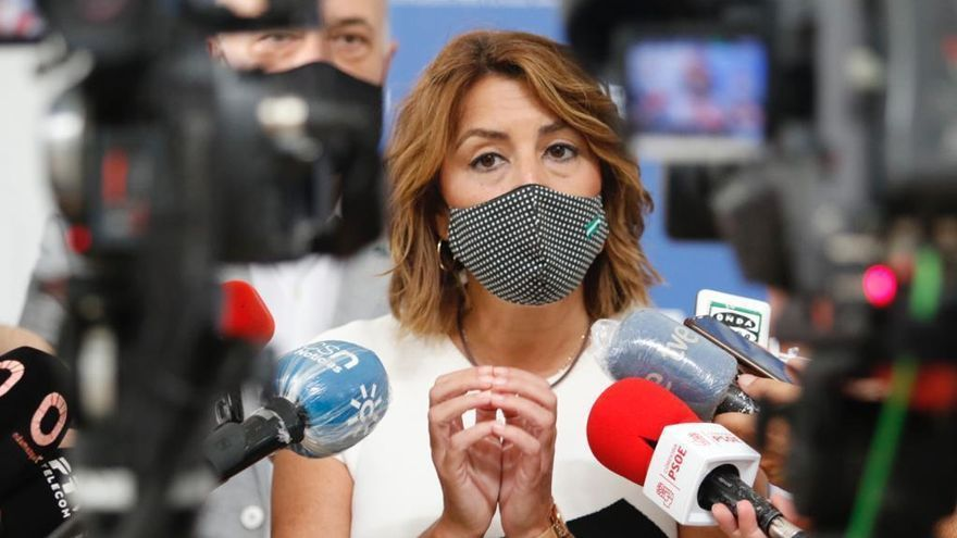 """Susana Díaz """"respeta"""" a los que piden el adelanto de las primarias"""