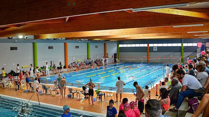 A Cañiza no abrirá la piscina climatizada por el alto coste del protocolo anti-Covid