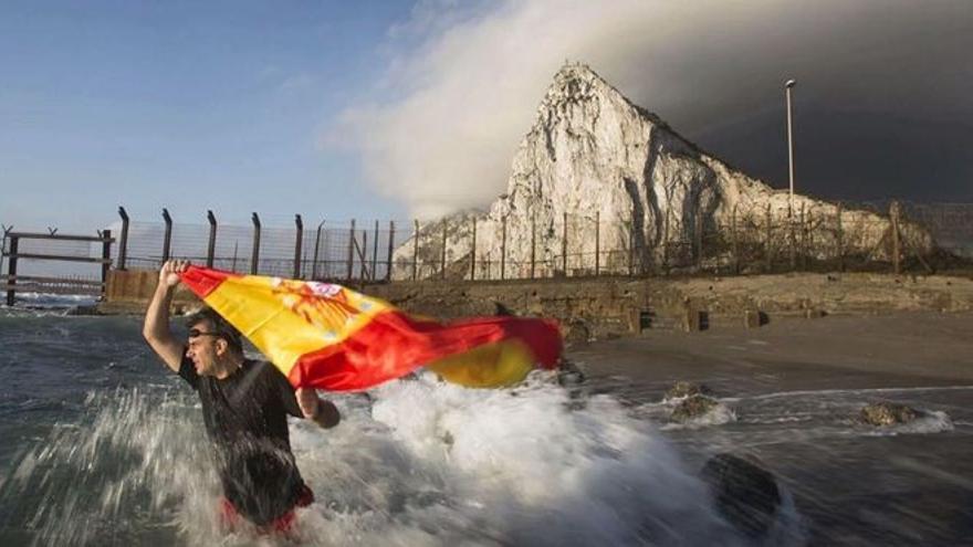 Ortega Smith, en busca y captura por un robo en Gibraltar