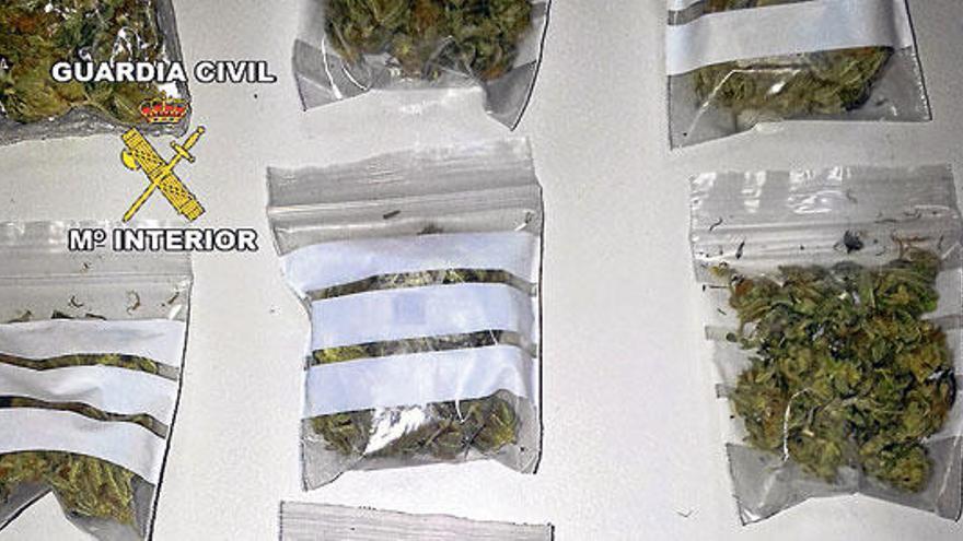 Dos detenidos con marihuana