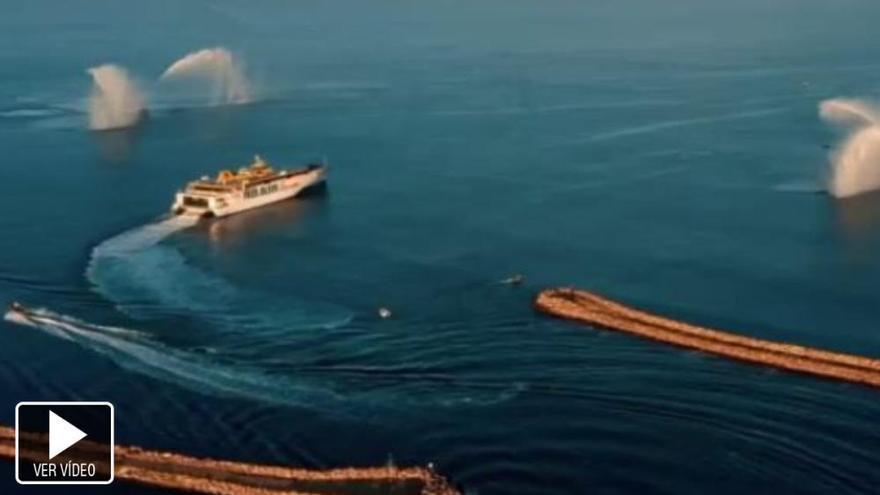 El nuevo trimarán de Fred Olsen ya viaja desde Australia hacia Canarias
