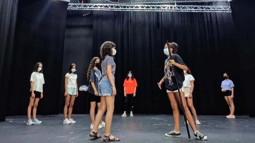 Medio centenar de personas se forman en teatro grecolatino en el taller Ceres de Monesterio