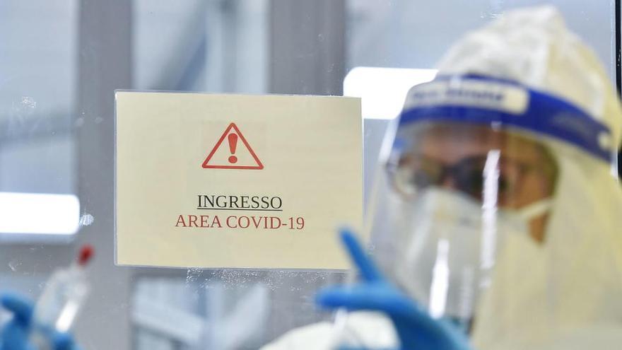 Italia no descarta un nuevo confinamiento tras registrarse 580 muertos