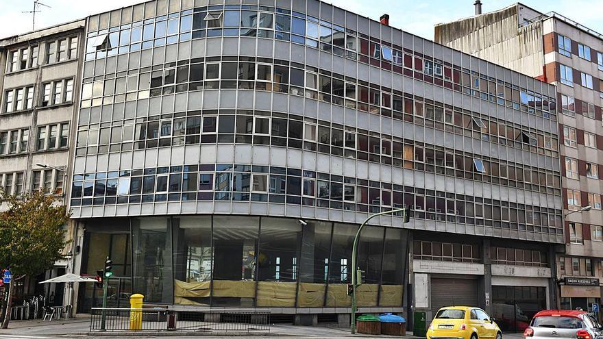 El Concello tumba un recurso de dueños del edificio Citroën contra la caducidad de su licencia de derribo