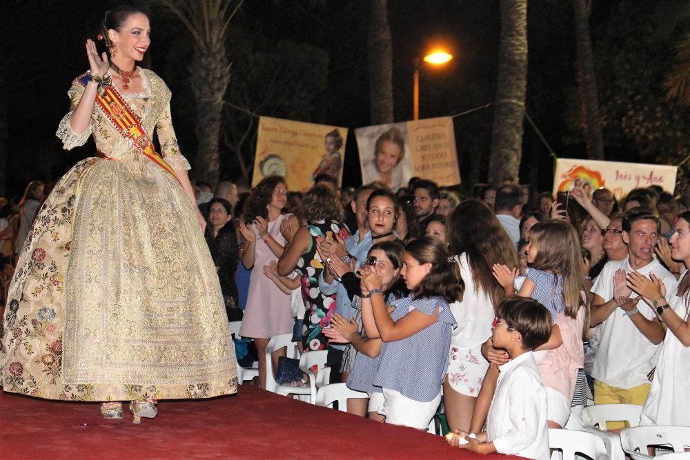 El desfile de Raquel Alario