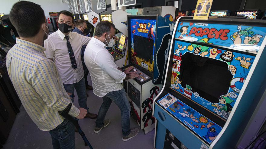 El Museo Arcade Vintage de Ibi reabre con un aula formativa.