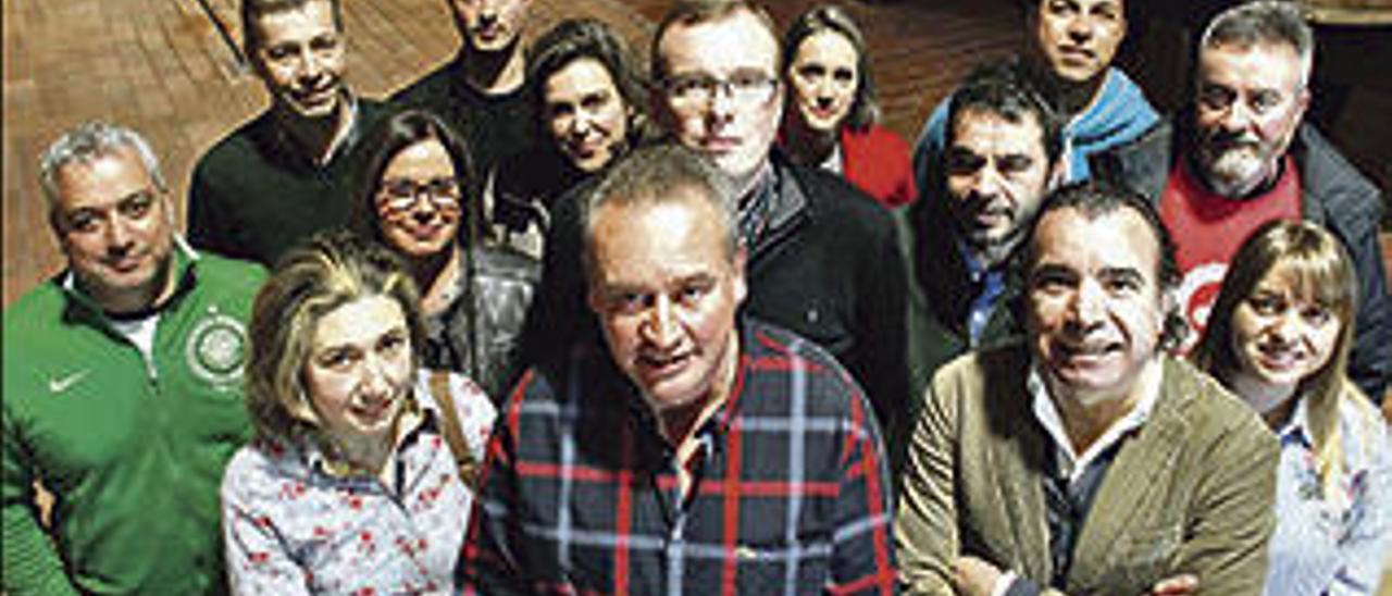 Los representantes de la nueva generación de llagareros, reunidos en Sidra Menéndez, en Fano (Gijón).