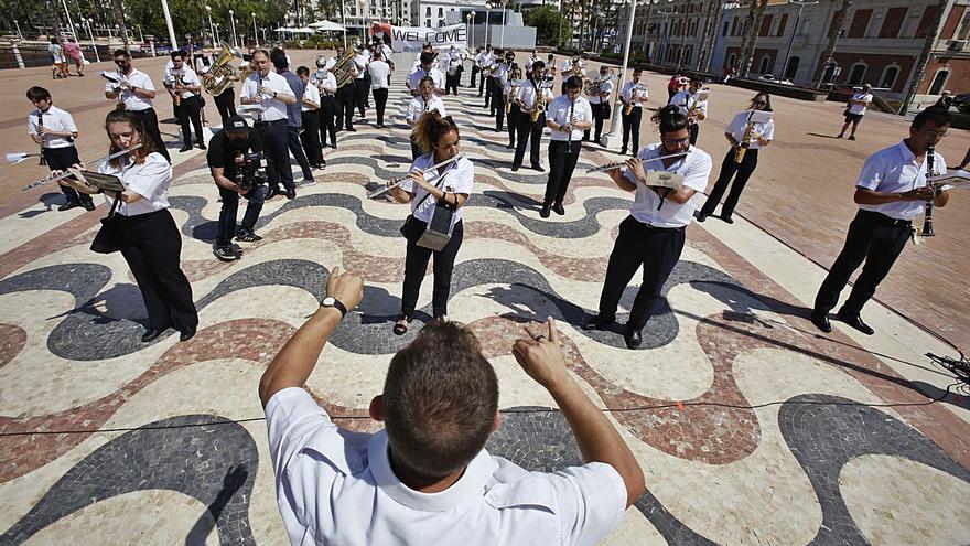 Alicante recuerda a Berlanga con la música de sus filmes
