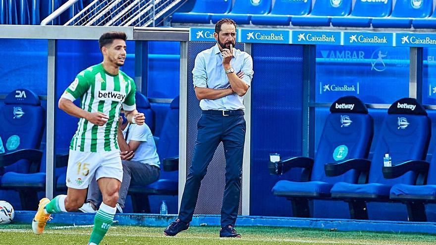 Machín debuta amb derrota a l'Alabès i Pere Pons és titular