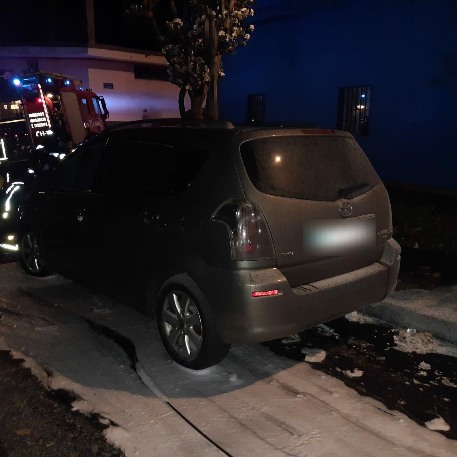 incendian dos vehículos en el barrio de San Matías