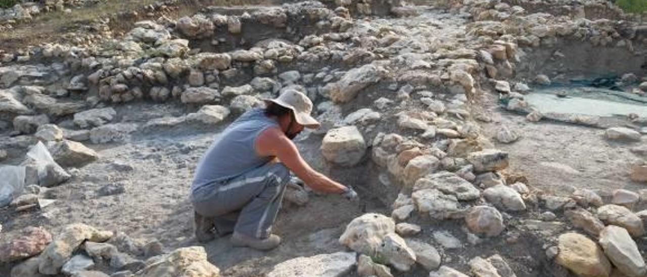 Las excavaciones delimitan nuevas habitaciones al este de l'Altet del Palau