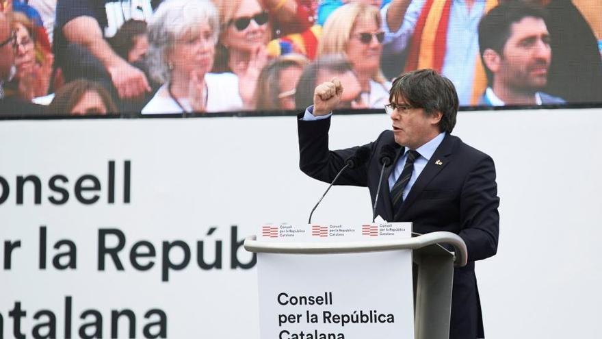 """Puigdemont ofrece a JxCat como eje central y """"no sectario"""" del independentismo"""