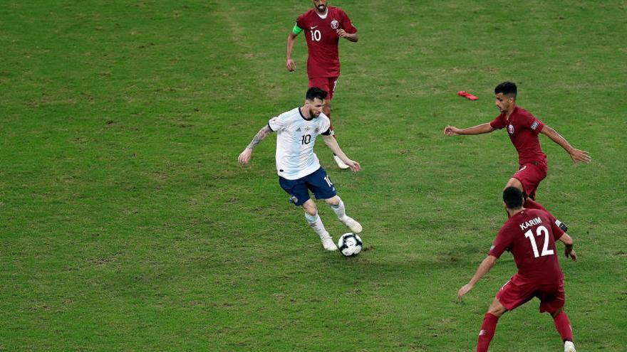 "Messi carga contra ""las canchas"""
