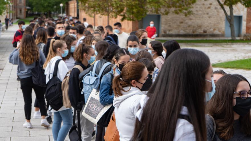 """La Universidad de Salamanca ordena la """"presencialidad total"""" en las aulas"""