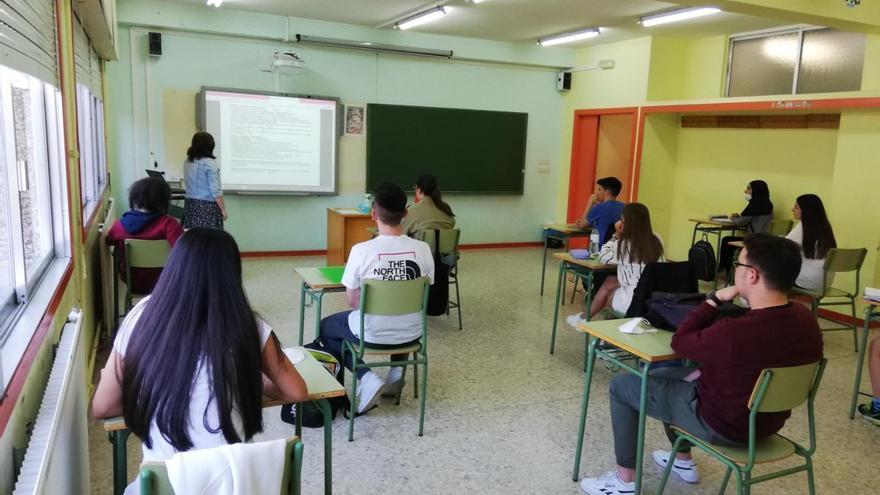 Betanzos insta a la Xunta a rectificar y reforzar el personal de los institutos