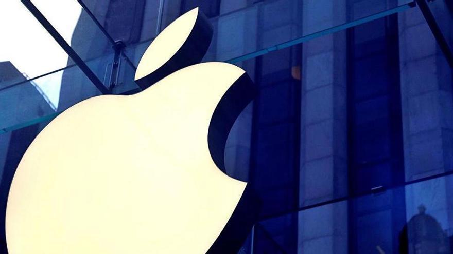Apple compleix 45 anys amb l'objectiu de passar del hardware als serveis