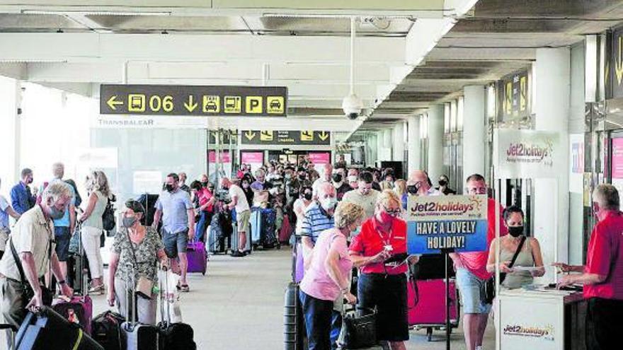 La demanda de ayuda social cae un 30% en Mallorca por la reactivación del empleo