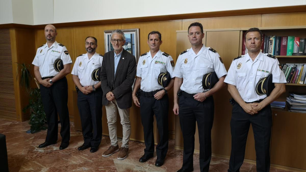 Els nous Inspectors en Cap amb el Comissari Provincial de la Policia Nacional i el Subdelegat.