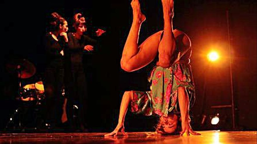 El Teatre del Raval commemora el 25N amb un espectacle de circ feminista