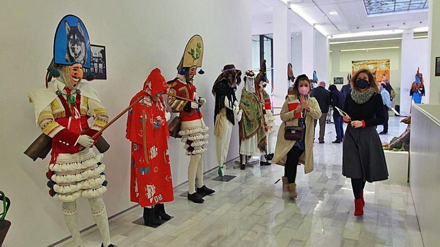 Ourense abre la mayor muestra de Entroido, con 110 personajes, algunos desaparecidos