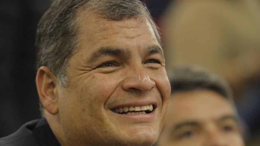 Dictan una orden de detención contra Correa