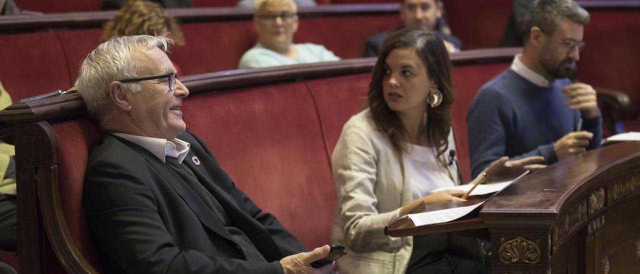 Joan Ribó y Sandra Gómez, durante el pleno de ayer.