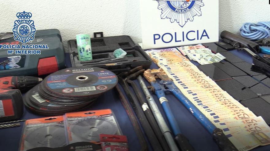 Desmantelan un grupo criminal que se llevó 15.000 euros de una fábrica de calzado en Elche