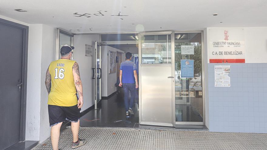 Médicos de la Vega Baja denuncian la falta de triaje en algunos centros sanitarios