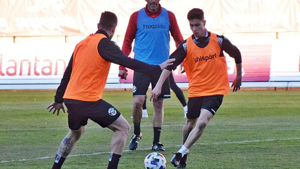 Entrenamiento del Zamora CF en el que participaron varios juveniles.   ZCF