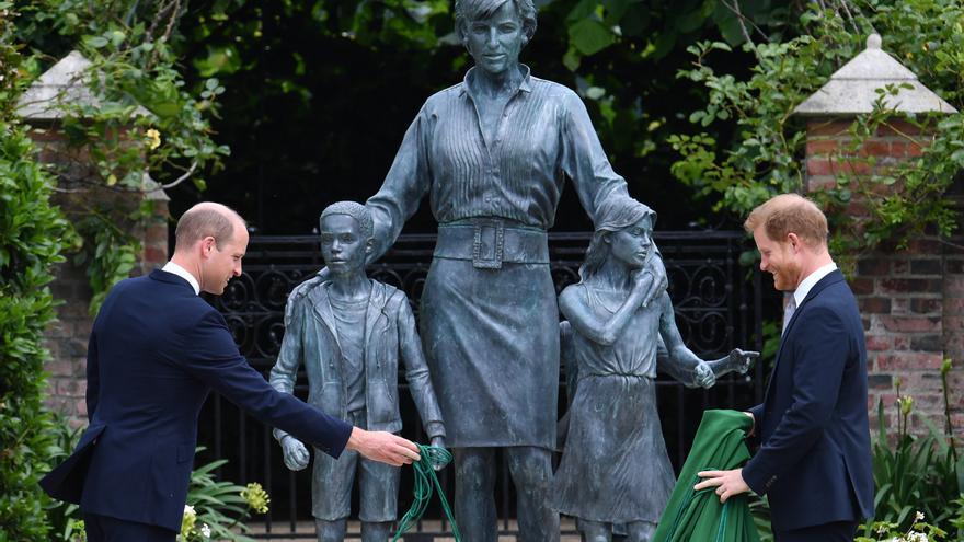 El homenaje a Diana de Gales el día que habría cumplido 60 años reúne a sus hijos Guillermo y Enrique