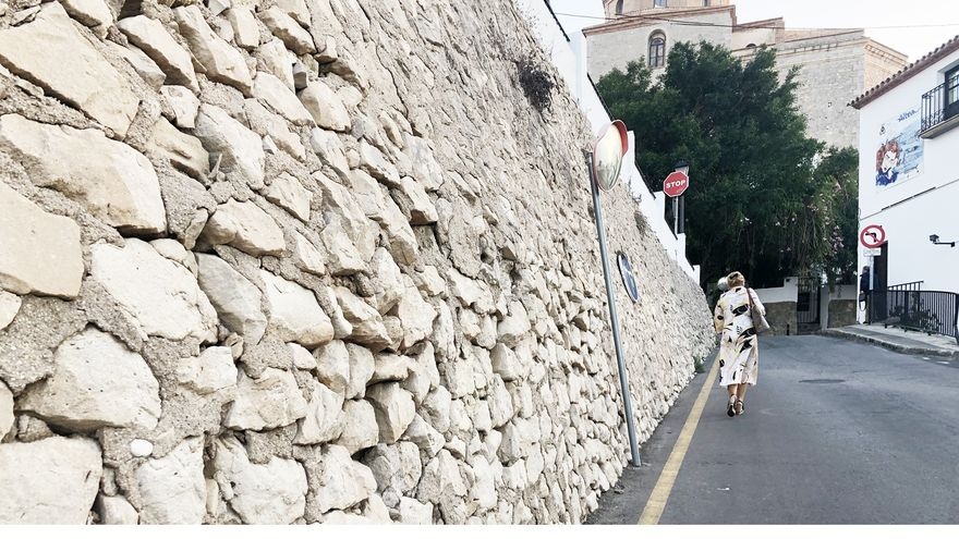 Altea refuerza el muro de la Costera dels Matxos que sostiene parte del casco antiguo