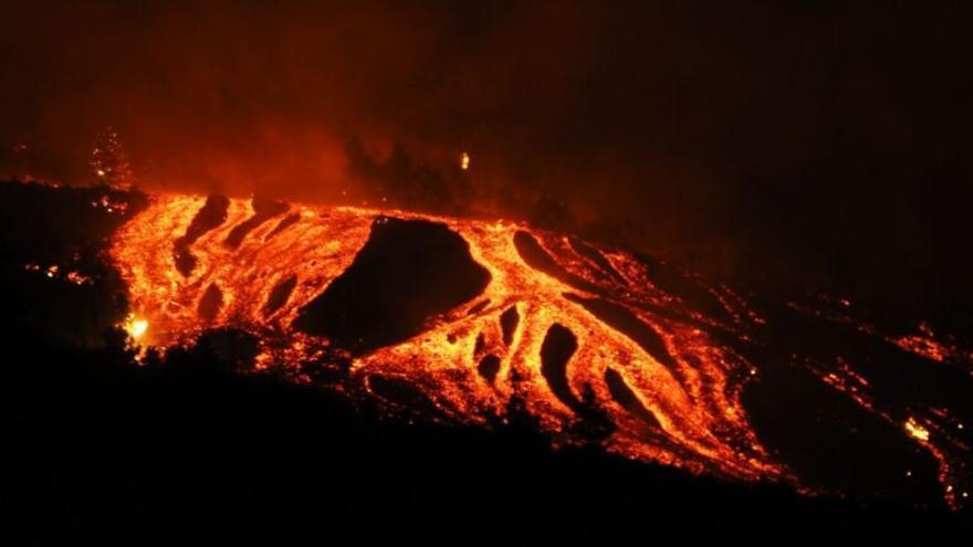 Recomendaciones de los expertos para protegerse de los gases del volcán de La Palma